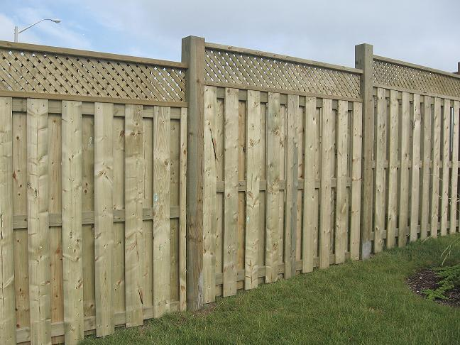 Shadow Box Fence with Lattice Top http://handymanns.ca/PrivacyFence.htm